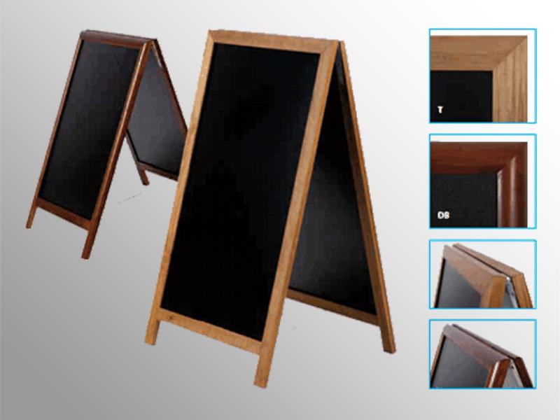 Zákaznícky pútač z bukového dreva vo farbe teak alebo tmavohnedé. Interiérové aj exteriérové využitie. Vysoko odolný materiál voči poveternostným vplyvom. Rámy sú trikrát lakované.